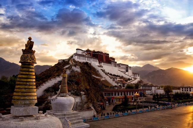 SALIDA GRUPAL A CHINA, TIBET Y HONG KONG - Beijing / Hangzhou / Hong Kong / Lhasa / Shanghai / Tibet / Xian /  - Buteler en China